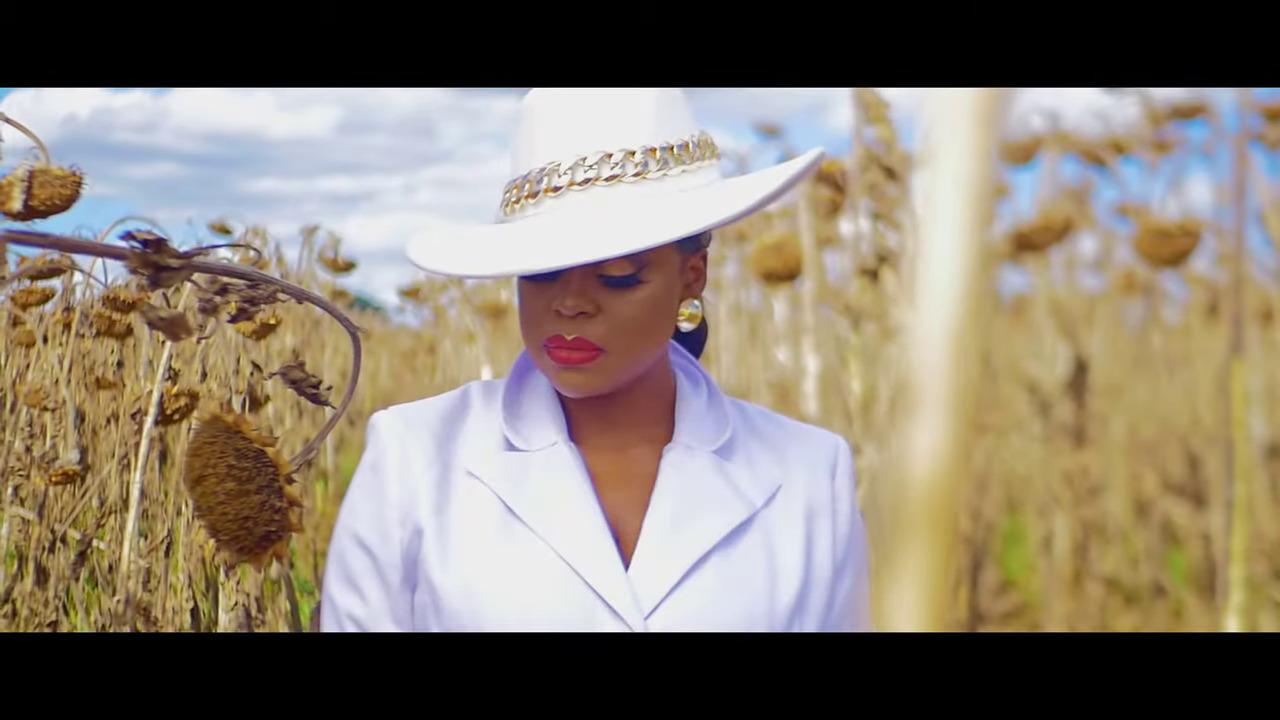 """Watch: Mampi drops """"Amama"""" (NituloTotyani) music video"""