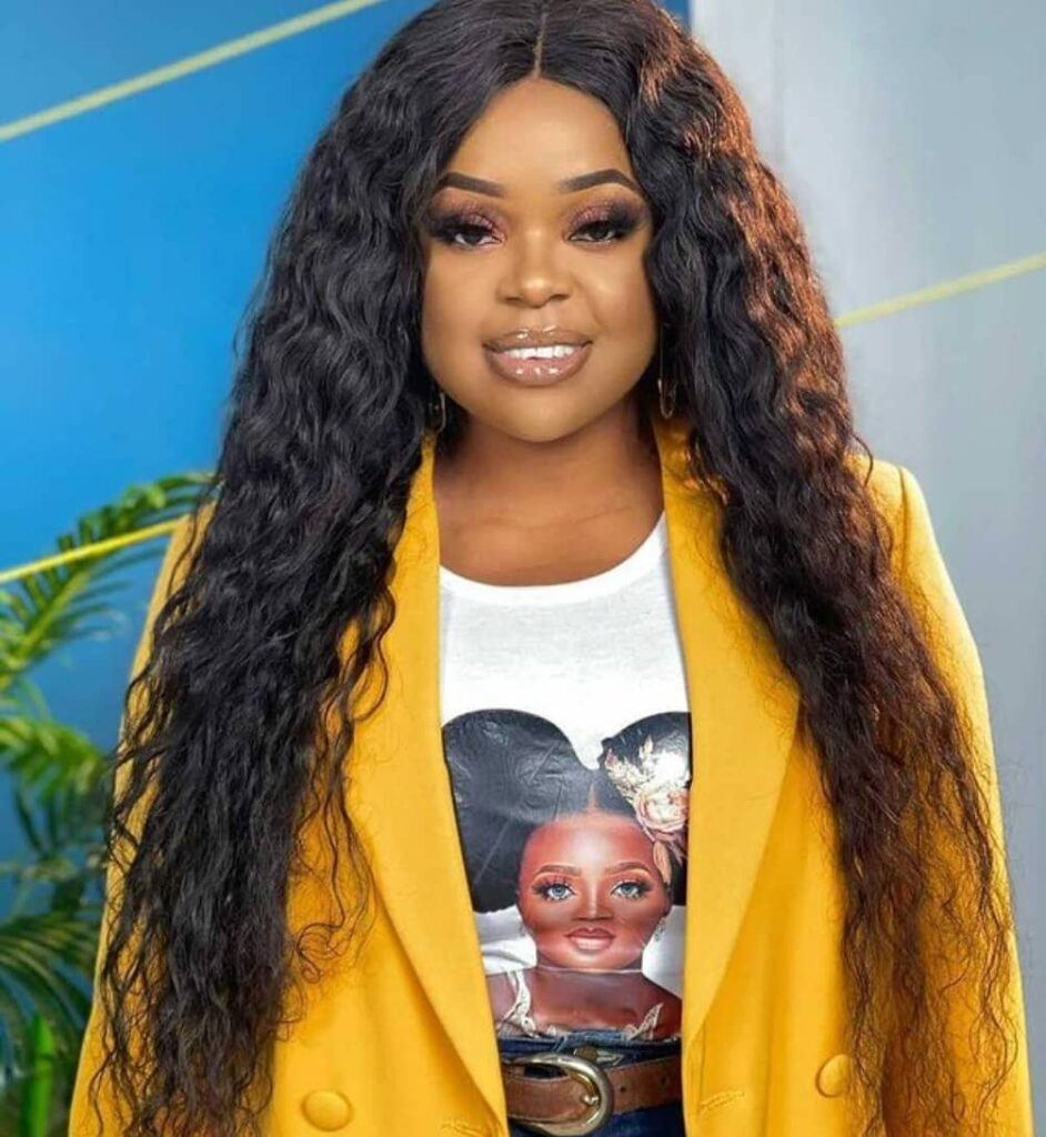 Aesthetic Style of Mampi in Upper Class Unveils her Taste