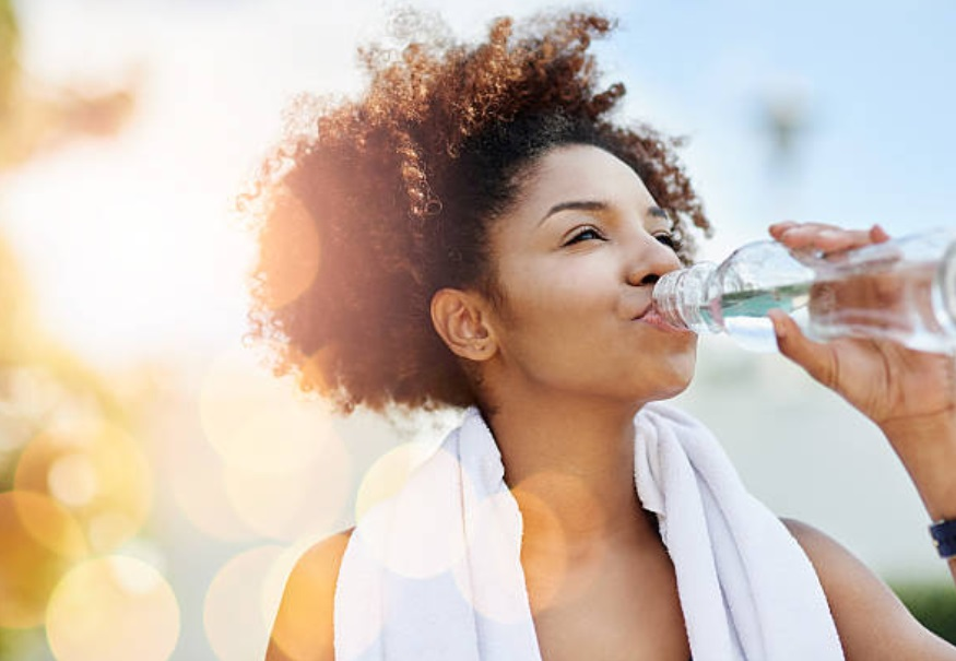 11 Health Benefits of Replacing all Drinks with Water
